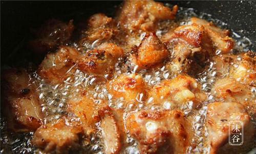土豆烧排骨的做法、土豆烧排骨怎么做